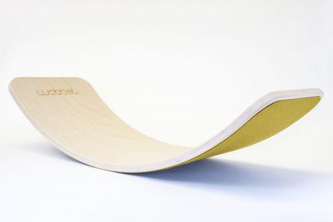 Placa de echilibru Wobbel Original, natur, lacuita, cu strat de lana Mustard